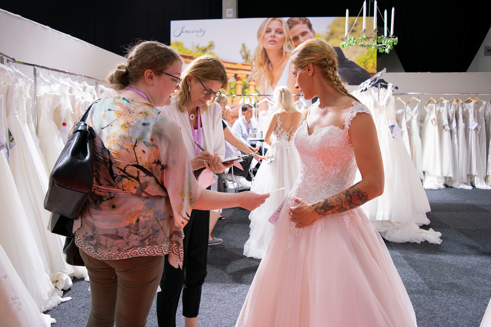 Nordic Bridal Show - Customers at Sinceritys stand